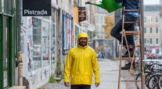 Regenjacke RAINS > Modisch, schlicht, wasserdicht