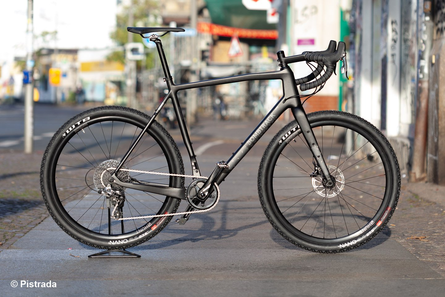 Bombtrack: Hook EXT C > Der High-End-Gravel-Racer