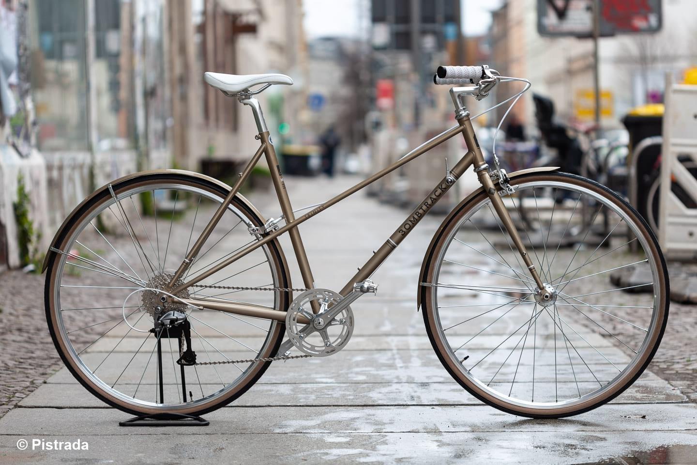 Seitenansicht - Bombtrack Trinity / elegantes, zeitloses Sportrad für Damen / Pistrada Fahrrad Leipzig