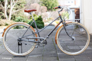 pistrada-264-creme-cycles-caferacer-lady-doppio-gray-rose-2021-002